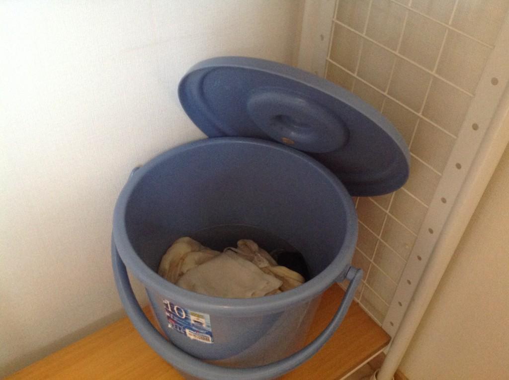ミョウバン水におしっこの付いた洗濯物をつけおきする