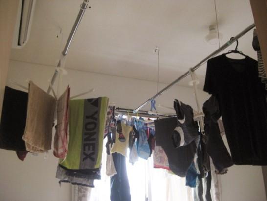 自作した天井吊り式の物干し