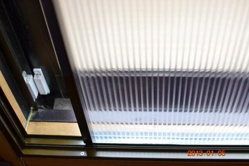 ポリカーボネート+モール材で簡易枠有の自作内窓