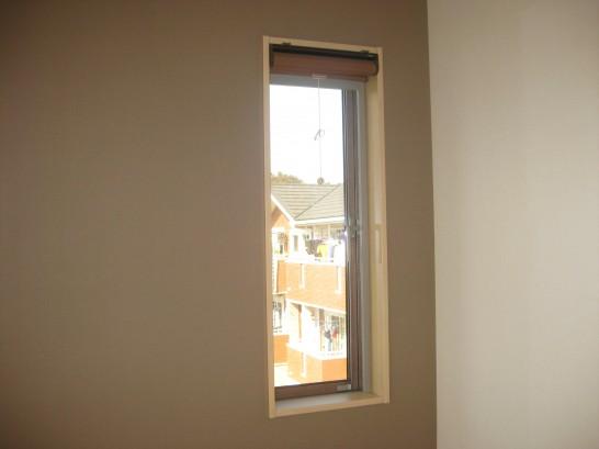 内窓設置前の寝室の小窓