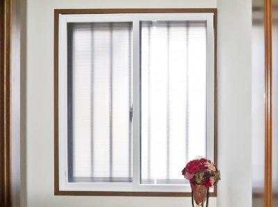 枠付きの内窓の作り方の例