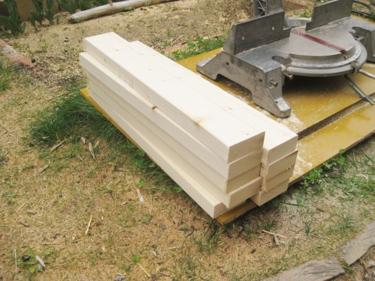 ローテーブルの天板を作るために60cmにカットする