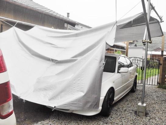 DIYカーポートが雨の重みで壊れた・・・
