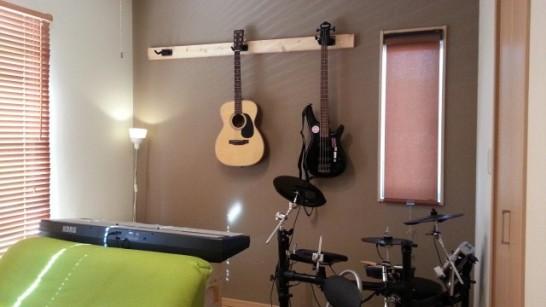 【3本で2000円】丈夫な壁掛けギタースタンドの作り方
