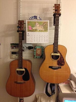 壁掛ギタースタンドの事例6