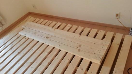 二段ベッドの柱