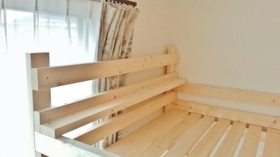 二段目のベッドの棚