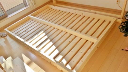 二段ベッドの裏面
