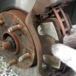 【キーキー鳴き】自分でブレーキパッド&ローターを交換する方法