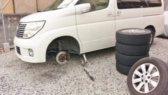 自分で車のタイヤを交換(着脱)する方法