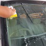フロントガラスの油膜取りと再固着を防止する方法