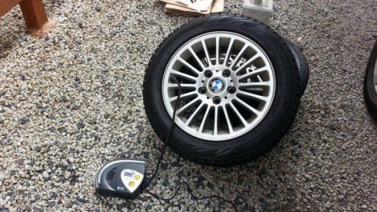 タイヤ交換前に空気を調整