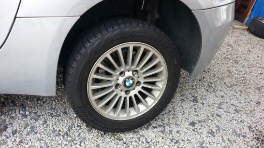 タイヤを取り付け