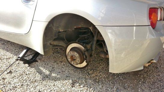 タイヤを取り外したところ