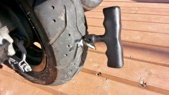 バイクのDYIパンク修理