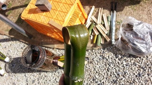 竹馬の足を載せる部分の曲げ