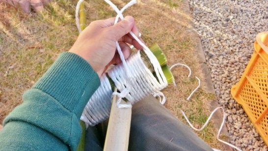 紐を巻き終えた