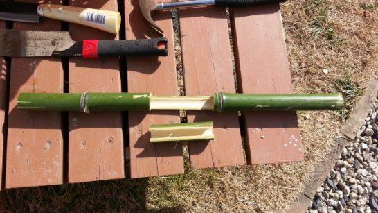 竹馬の足を載せる部分のカット
