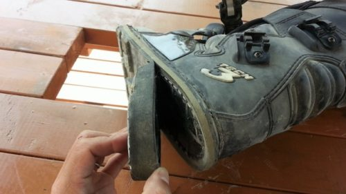 ブーツの靴底が剥がれた