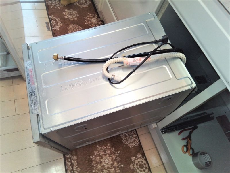 壊れたビルトイン食洗機を自分で取り外す