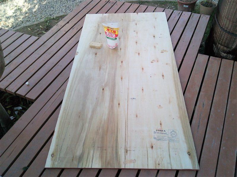 ベニア板と木工用ボンド