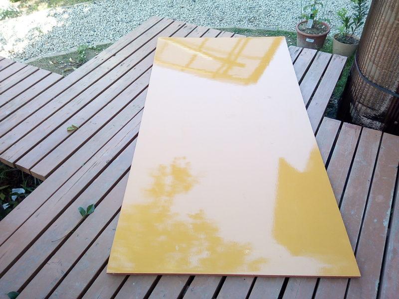 縄跳びのジャンプ台の材料のベニヤ板