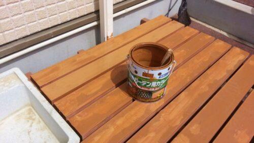 ウッドデッキの二度目のペンキ塗り