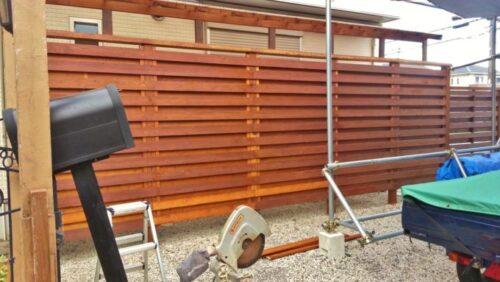 ウッドフェンスを塗り直したところ