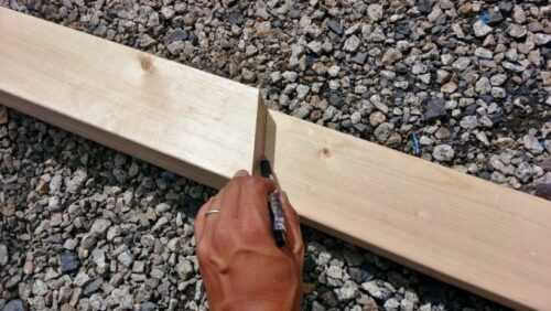 同じ長さで木材をカットする