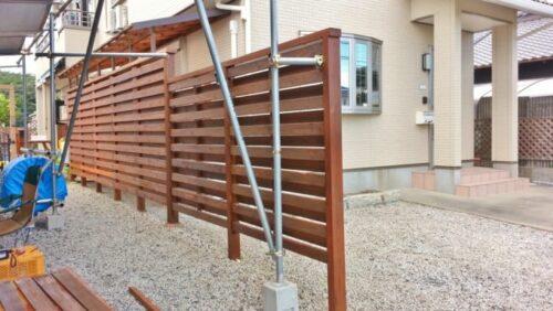 ウッドフェンスを塗り直したところ2